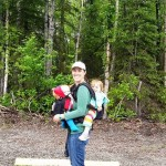 Tandem Babywearing on Trail - Tips and Tricks (4)