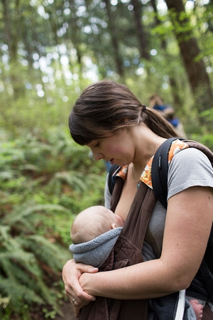 Time Outdoors Ignites a Baby's Senses (3)