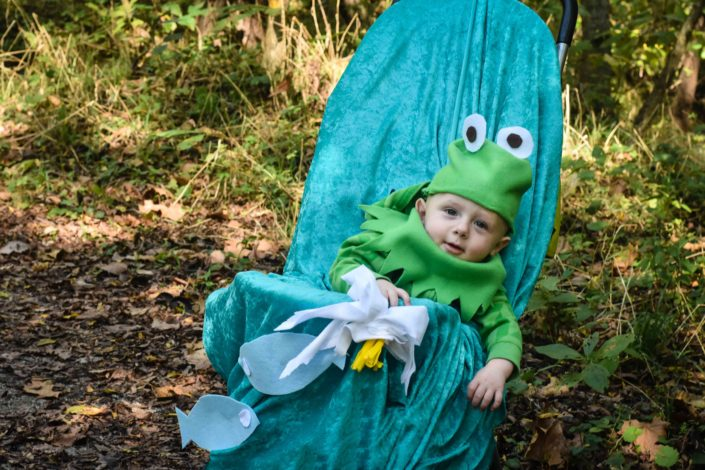 DIY nature-inspired costumes for Hike it Baby