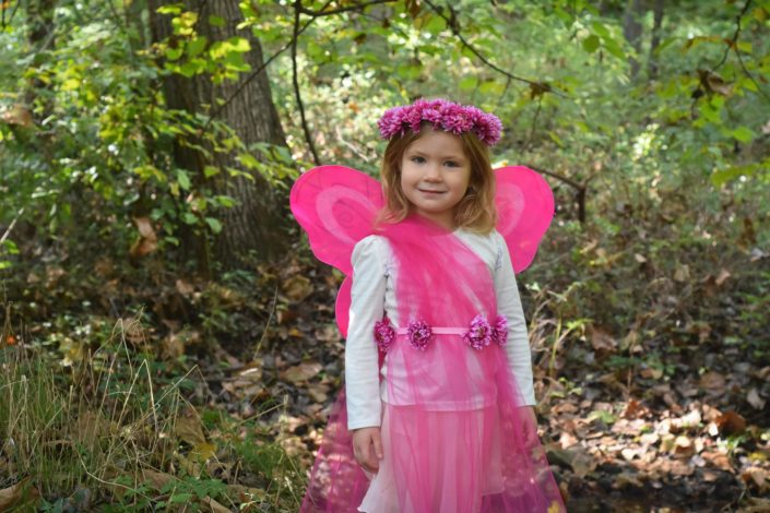 DIY nature-inspired costume for Hike it Baby
