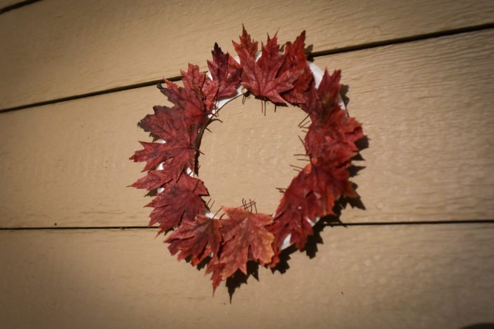 4 crafts with leaves by Vong Hamilton for Hike it Baby