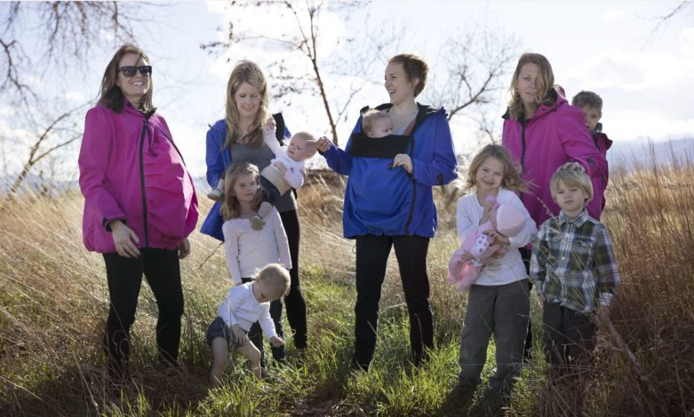 How to get comfy and cozy while babywearing for Hike it Baby