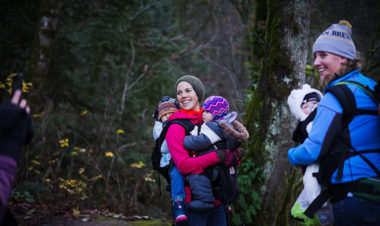 Helpful Tips on How to Tandem Carry Your Smallest Hikers by Erin Pennings for Hike it Baby
