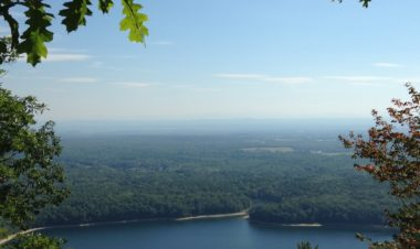 3 Gorgeous hikes in New York by Rebecca Hosley for Hike it Baby