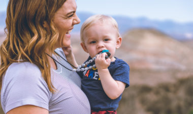 10 Tips for Keeping Babies On Trail by Shanti Hodges for Hike it Baby