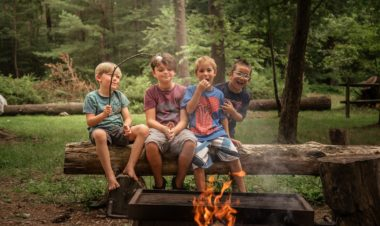 5 ways to get kids outside during the school year by Julie McNulty for Hike it Baby