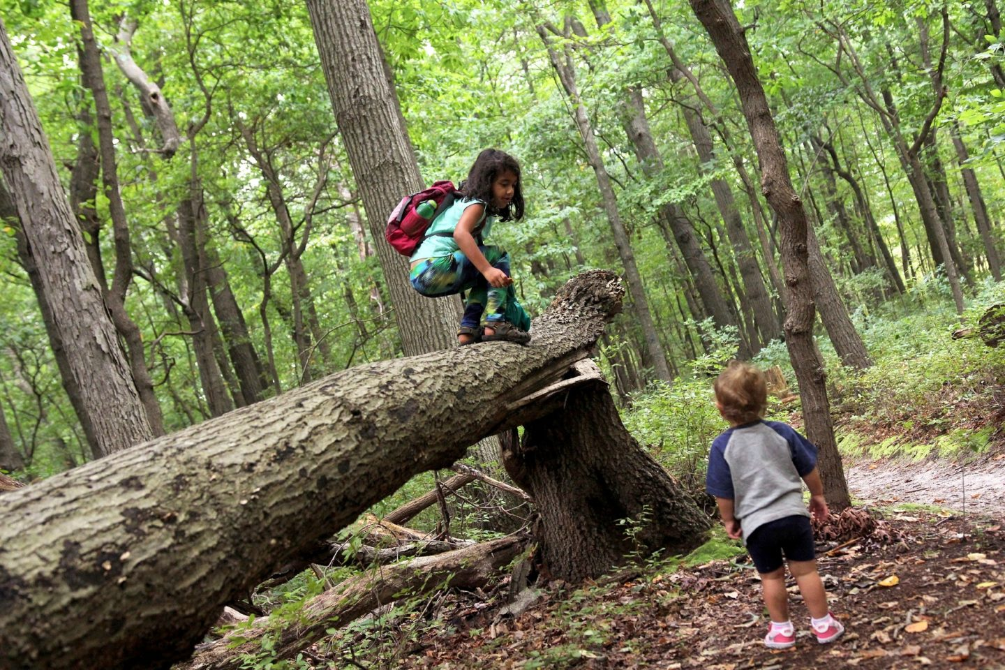 10 Tips to raise the next generation of adventurers in a high-tech world by Clay Abney for Hike it Baby