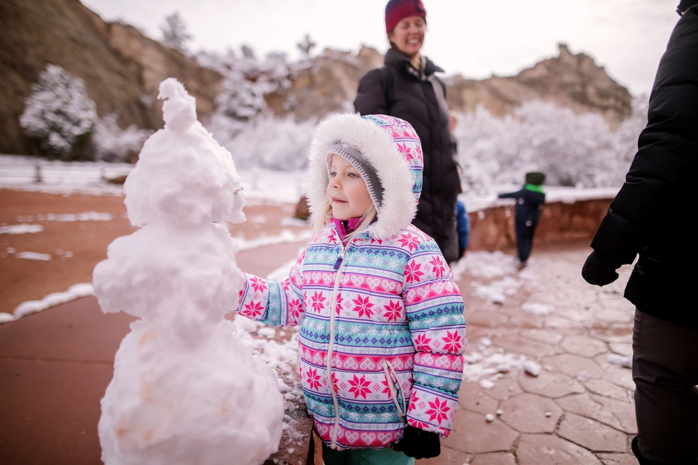8 ways to get out and enjoy winter with kids by Tamara Johnson for Hike it Baby