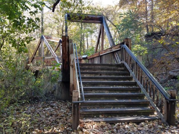 3 Trails in Nebraska young children will enjoy exploring by Vong Hamilton for Hike it Baby