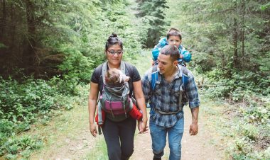 3 benefits of hiking for a healthy heart by Vong Hamilton for Hike it Baby