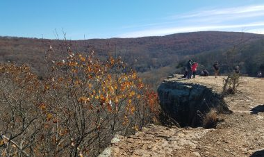 3 Unforgettable hikes in Arkansas for families with kids by Vong Hamilton for Hike it Baby