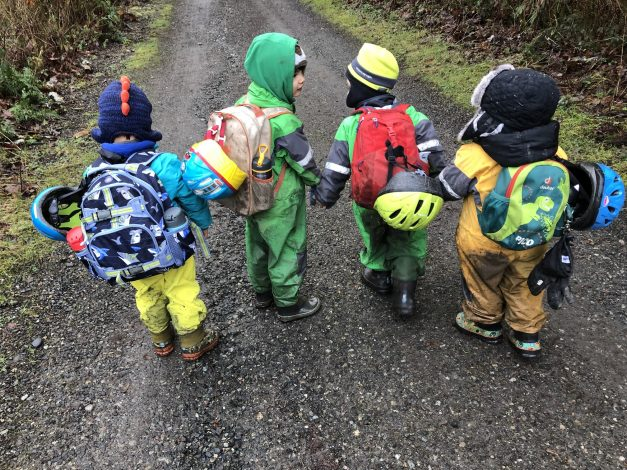 Learning in nature: the benefits of forest school by Rebecca Hosley for Hike it Baby