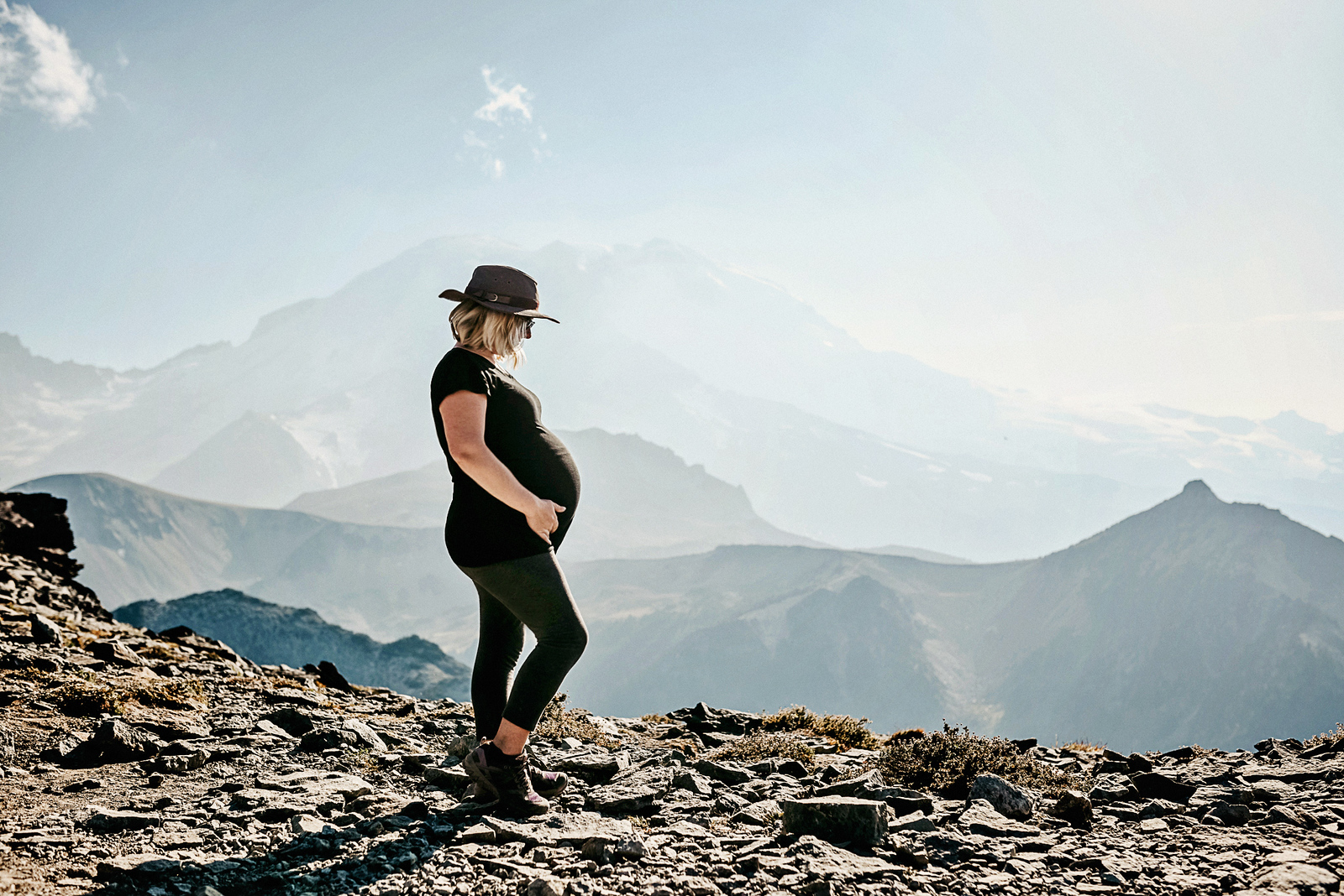 How to keep hiking throughout your pregnancy by Vong Hamilton for Hike it Baby